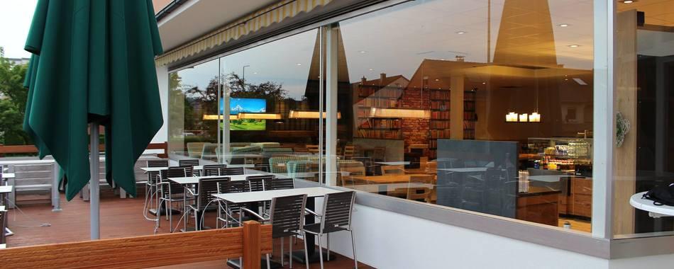Bäckerei Hausmann - Terrasse - gemütlich sitzen und genießen