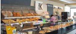 gemütlich sitzen und genießen im Café Klas in Hofstetten