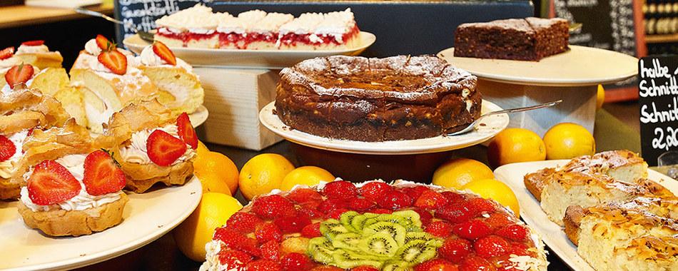 Mittagstisch im Fenepark Restaurant in Kempten - und danach zum Dessert ein Stück Torte oder Kuchen