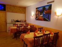 gemütlich sitzen und genießen - mittags oder abends in Krone Lindenberg - Gasthof und Tapas Bar - Mittagessen und Aboessen - wir wünschen einen guten Appetit