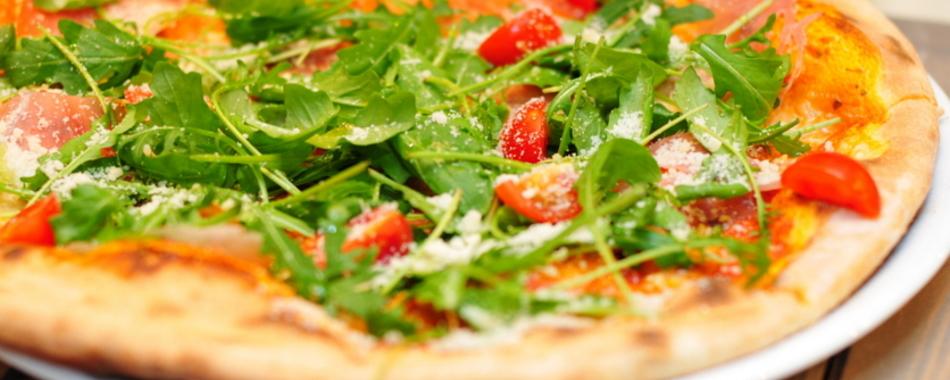 mediterran Essen gehen in Dießen am Ammersee - Ristorante La Gondola  - Pizzeria - Gelateria für Ihren Geschmack. Das Ristorante La Gondola am Marktplatz bietet täglich wechselnde Mittagsmenüs