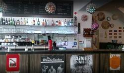 Alle Restaurants, viele Cafés, Wochenmenüs und Tagesmenüs. Das Künstlerhaus in Kemptenin der Beethovenstraße bietet euch eine vielfältige Auswahl an wechselnden Mittagessen. Das Team vom Künstlerhaus in Kempten freut sich auf euch!