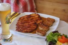 Lieblingsschnitzel in der Schnitzelalm im Forsthaus
