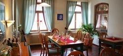 Essen gehen in Weingarten im Ristorante Zum Stern. Alle Restaurants, Wochenmenüs und Tagesmenüs. Das Ristorante Zum Stern bietet Ihnen eine vielfältige Auswahl an wechselnden Mittagessen und Mittagsgerichte