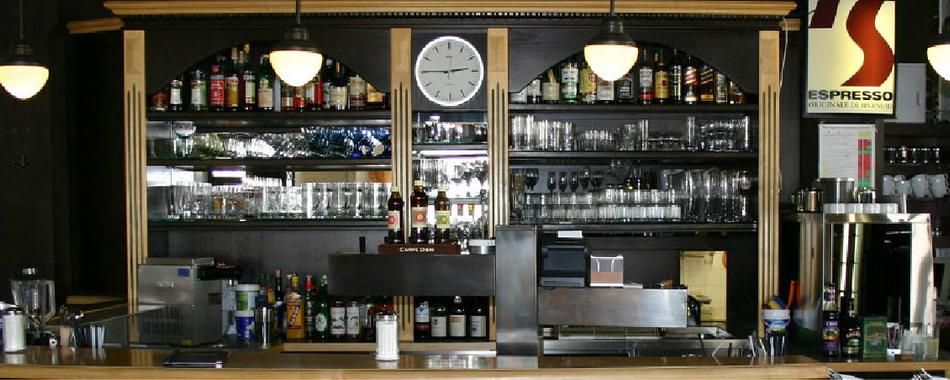 Gemütlich sitzen und genießen. Mit wechselndem Mittagstisch, Kaffee, Kuchen - Mittagessen in Weingarten im Café Museum -