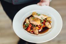 Mittags kann man gut und lecker Essen gehen in Scheidegg - Restaurant im Hotel edita - Alle Restaurants, Café, Bar, Imbisse in Scheidegg im Allgäu mit wechselnden Mittagsangeboten