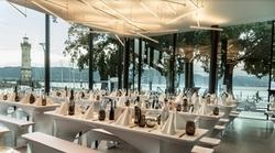 eine traumhafte Kulisse - direkt am Hafen von Lindau am Bodensee - erwartet Sie im Restaurant - Brasserie Eil.Gut.Halle