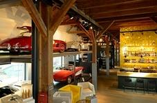 Besuchen Sie die dauerhafte Ausstellung von ausgewählten Traumwagen, im Restaurant Brasserie Eil.Gut.Halle in Lindau - direkt am Bodenseehafen