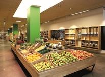frisches Bio Obst und Gemüse aus der Region - nach dem Mittagstisch einkaufen