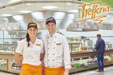Mittags kann man gut, lecker und schnell mal Essen gehen in die Trefferia in Laupheim im Globus Baumarkt - Alle Restaurants, Café, Bar, Imbisse in und um Laupheim mit wechselnden Mittagsangeboten und reichhaltiger Speisekarte