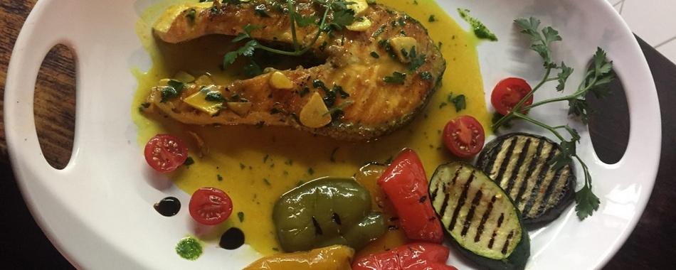 Mittags kann man gut und fein mediterrane Küche genießen im Al Teatro in Memmingen - Alle Restaurants, Café, Bar, Imbisse in und um Memmingen mit wechselnden Mittagsangeboten und reichhaltiger Speisekarte