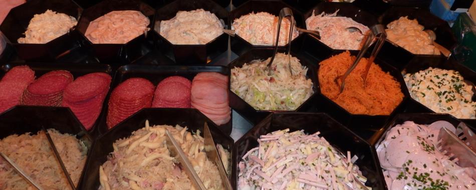 Mittags kann man gut und schnell in der Schlemmerecke der Metzgerei Dempfle in Kaufbeuren essen - Alle Restaurants, Café, Bar, Imbisse in und um Kaufbeuren mit wechselnden Mittagsangeboten und reichhaltiger Speisekarte