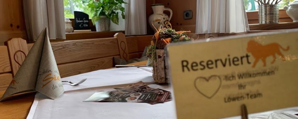 Gemütlich sitzen und genießen. Essen mit Freunden, Familie und Kollegen - im Gasthaus Löwen in Balzheim - Mittagstisch -  Aboessen - Tagesgerichte