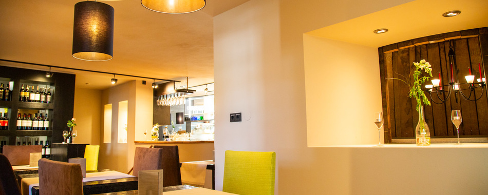Gemütlich sitzen und genießen kann man von Montag bis Samstag im Vin'o Restaurant in Kaufbeuren. Essen mit Freunden, Kollegen und Familie - Mittagsessen - Abendessen in Kaufbeuren