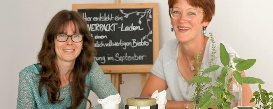 Gemütlich sitzen und genießen. Essen mit Freunden, Kollegen und Familie - im Bistro alge unverpackt in Weilheim - Mittagstisch - Tagesgerichte - vegan -