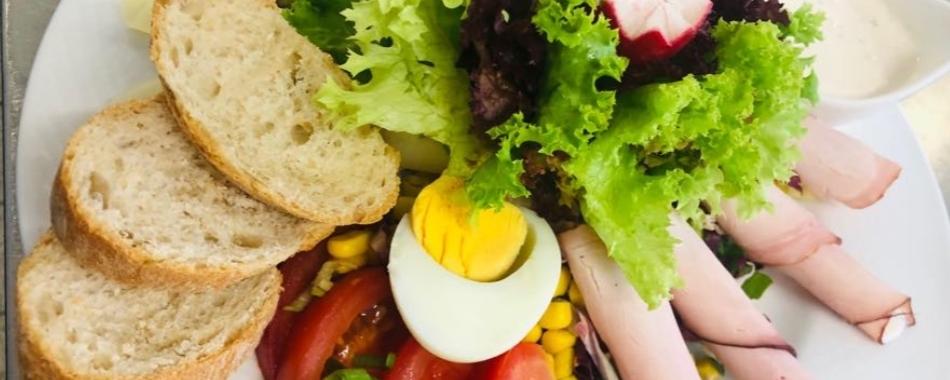 In den gemütlichen Räumen vom Gasthaus Ritter in Wiedergeltingen-  Ihre Familienfeier oder einfach die Wochenmenüs und Tagesmenüs. Das Gasthaus Ritter bietet Ihnen eine vielfältige Auswahl an wechselnden Mittagessen.