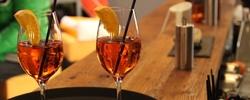 Gemütlich sitzen und genießen. Essen mit Freunden, Kollegen und Familie - im Bellazzo Café - Shop - Bar in Kempten  - Mittagstisch - Tagesgerichte