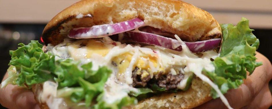 in Ihrer Mittagspause - leckere Burger Spezialitäten- Mittagsangebot - regional - feine Küche - Tagesgerichte - Wochenkarte