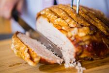 in Ihrer Mittagspause - unkompliziert - zeitsparend - lecker essen gehen im Loisachtaler Bauernladen in Penzberg - Täglich wechselnde Mittagsangebote und Imbiss - Heiße Theke