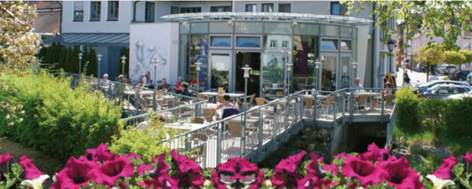 Mittagstisch Cafe Hampp Ochsenhausen Blick auf die Terrasse