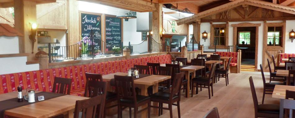 Mittags in der Alp-Villa Hüttenfeeling