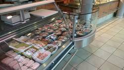 Mittagstisch und Mittagessen in der Fleisch-Bar in MOD