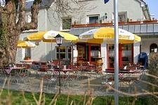 Terrasse Weinstube Reutin Aboessen Montag bis Freitag eine große Auswahl an Mittagstisch