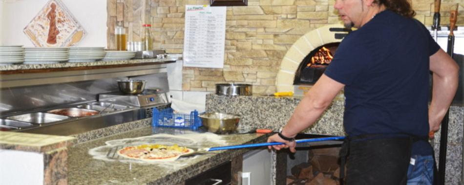La Pineta - Holzofenpizza ein Genuss